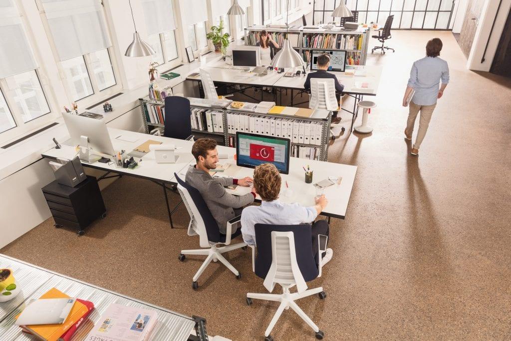 kolegove-zidle-stul-kancelar-pocitac